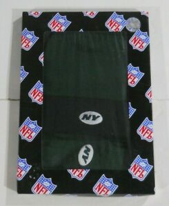 NEW YORK JETS REEBOK YOUTH SIZE STOCKING CAP AND GLOVES