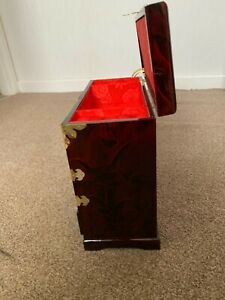 chinese jewelry box excellent condition