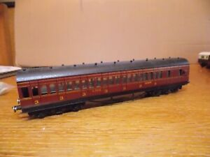 BASSETT LOWKE? LMS ALL 3rd SUBURBAN 7-COMP COACH No 22808 in LMS Maroon Livery