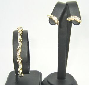 18ct Yellow Gold Boomerang 1ct Plus Diamond Bracelet and Earring Jewellery Set