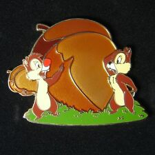 Disney Shopping Pin Chip and Dale Discovering an Acorn Le 100 Oc