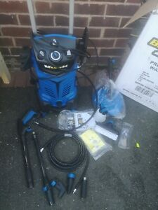 Wolf Blaster 4x4 Pressure Washer. used for test only