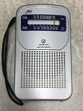 Koizumi Seiki Soundlook SAD-7215 AM FM Portable Pocket Radio - Works Great
