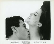 ROCK HUDSON CLAUDIA CARDINALE A FINE PAIR 1968 VINTAGE PHOTO ORIGINAL #1