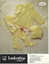 ORIGINAL VINTAGE KNITTING PATTERN BABY PRAM SET - MATINEE COAT PULL-UPS & HAT