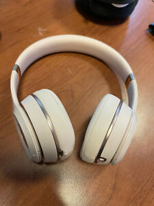 Beats by Dr. Dre Solo3 Wireless MATTE Gold Beats Headphones Ear Please See PICS