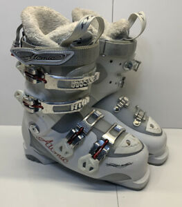 Atomic 25 Womens Ski Boots - With Therm-ic Plugs Size 23.5-24 T2 Size 6.5-7 US