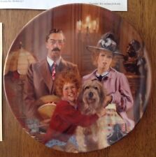 """""""Annie, Lily, and Rooster"""" Plate 8-1/2"""" By Edward M. Knowles 1986"""