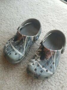 Crocs Boys /Kids -Camo /Green Hunting Clog Shoes Size 8/9