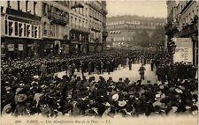 CPA PARIS 2e-Une Manifestation Rue de la Paix (321668)