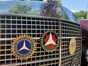 Emblem Grill Badges Mercedes Benz vintage  (BLACK-RED)