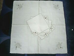 Vintage Unbleached Linen Table Cloth & 4 Napkins With Scalloped Hem BNWOT