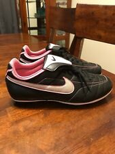 Nike Versa Tract Soccer Shoes 5Y Black/pink/silver