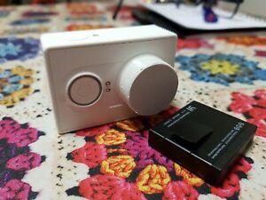 Xiaomi YI action camera 1080p (WHITE) + 8GB microSD Card + Lens Cover