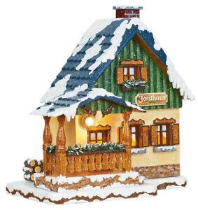 Original Hubrig Volkskunst  Winterkinder Forsthaus, elektrisch beleuchtet