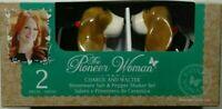 NIB The Pioneer Woman Charlie & Walter stoneware salf & Pepper shaker set NEW