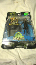 NEW VAN HELSING MONSTER SLAYER DRACULA WITH COFFIN PLAYSET 2004