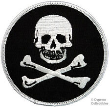 SKULL CROSSBONES IRON-ON BIKER PATCH JOLLY ROGER EMBROIDERED PIRATE EMBLEM ROUND