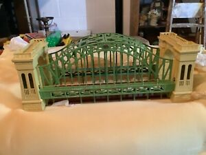 MTH STANDARD GAUGE #300 HELLGATE BRIDGE (early colors) NIB!!!!