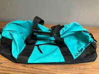 L.L.Bean MEDIUM TEAL ADVENTURE DUFFLE BAG