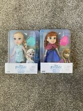 Petite Disney Frozen Elsa y Anna Muñecas