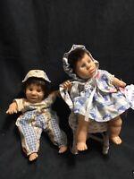 Lot Of 2 Gi-Go My Pal Toys Bean Bag Baby Dolls & White Wicker Chair Girl & Boy