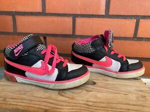 Mädchen-Schuhe von NIKE Gr. 29 (28), gebraucht