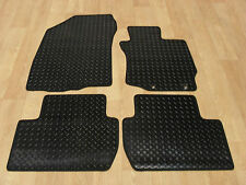 Mitsubishi Outlander (2007-13) Fully Tailored RUBBER Car Mats in Black