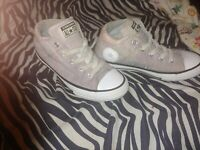 Converse Girls Size 1 Light Pink Canvass Shoes