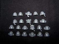 22 Blood Angel Tactical Squad Shoulder Pads (bits)