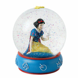 Enchanting Disney Collection A26969 Kind and Innocent Snow White Waterball