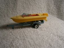 1/64- TOMICA SPEED BOAT AND TRAILER-
