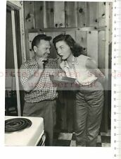 Prensa original de foto: Mickey rodney married with Elaine meinkin Beverly Hill kitc