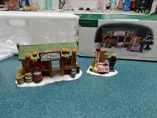 Department 56. Farmers Market set of 2. #56637. Excellent condition