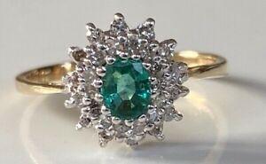 BEAUTIFUL 9CT GOLD EMERALD DIAMOND RING SUPERB GOOD SIZED RING