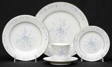 Noritake- Carolyn white/Blue flowers china dinnerware for 12 people and extra's