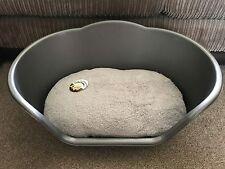 MEDIUM SILVER PLASTIC PET BED CAT DOG BASKET LUXURY GREY FLEECE WASHABLE CUSHION