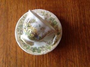 ROYAL ALBERT MINIATURE BRAMBLY HEDGE SPRING CUP & SAUCER EXCELLENT