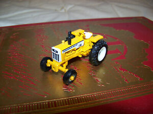 Minneapolis Moline G550 wide front tractor, 1/64, Ertl, Nice, displayed only, MM