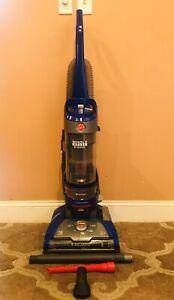 Hoover Windtunnel 2 Whole House Rewind Vacuum W/Attachments ~ Model UH71250