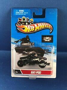 HOT WHEELS BATMAN BAT-POD MOTORCYCLE WITH RIDER