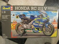 HONDA RC 211 V by Revell 1/9 scale