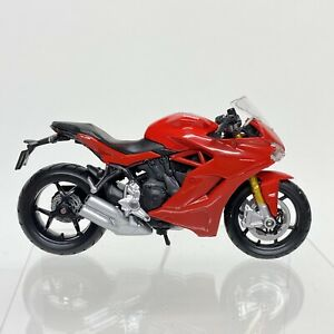 Maisto Ducati Supersport S Red 1:18 Scale Superbike Racing Motorcycle Replica