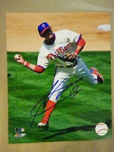 Autographed FREDDY GALVIS Signed 8x10 Photograph Philadelphia Phillies