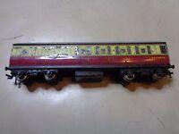 OO Gauge Hornby Dublo Red & Cream Gresley Coach 2 or 3 rail running E45402E