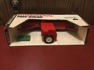Vintage Ertl International Harvester Square Hay Baler Still In Box 1/16 #447.