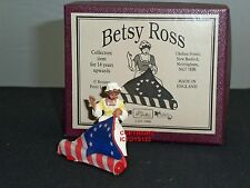 BRITAINS 5990 BETSY ROSS AMERICAN USA FLAG SEAMSTRESS METAL TOY SOLDIER FIGURE