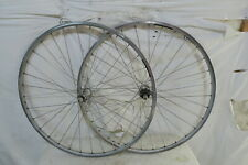 Mavic Reflex sup Rrims laced to Shimano 105 Hubs 32 spokes Front and Rear