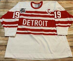 Vtg 1991-92 DETROIT RED WINGS Jersey STEVE YZERMAN White 75th CCM Sewn NHL Jumbo