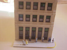 Ho Scale Bachmann Spectrum Savings and Loan built - up excellent layout ready